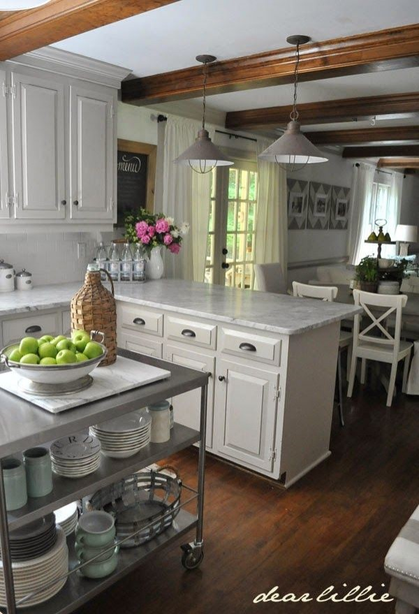 how to make a small kitchen look bigger