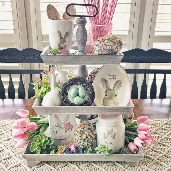 You have to see this #Easter centerpiece idea with bunny china. Love it! #HomeDecorIdeas @istandarddesign