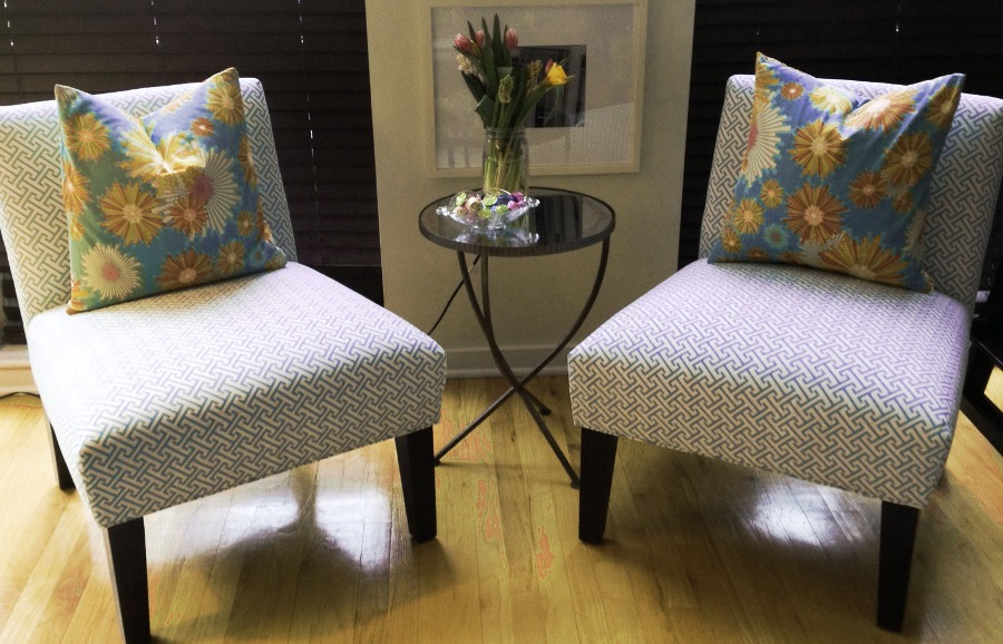 Living Room Chairs Decoration