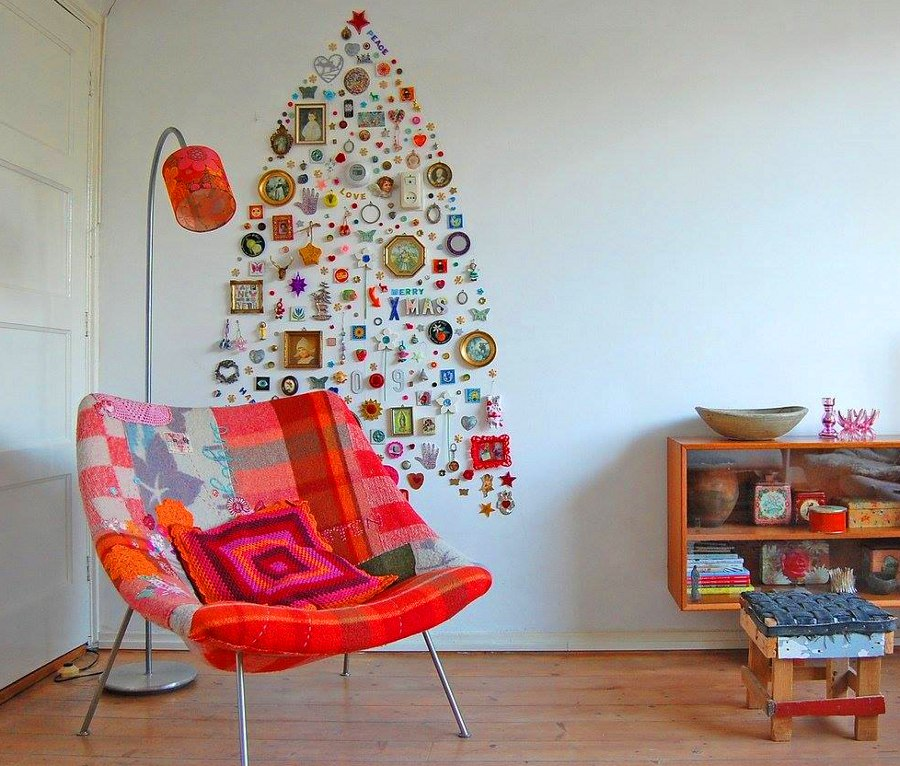 Christmas Tree Pictures and Trinkets