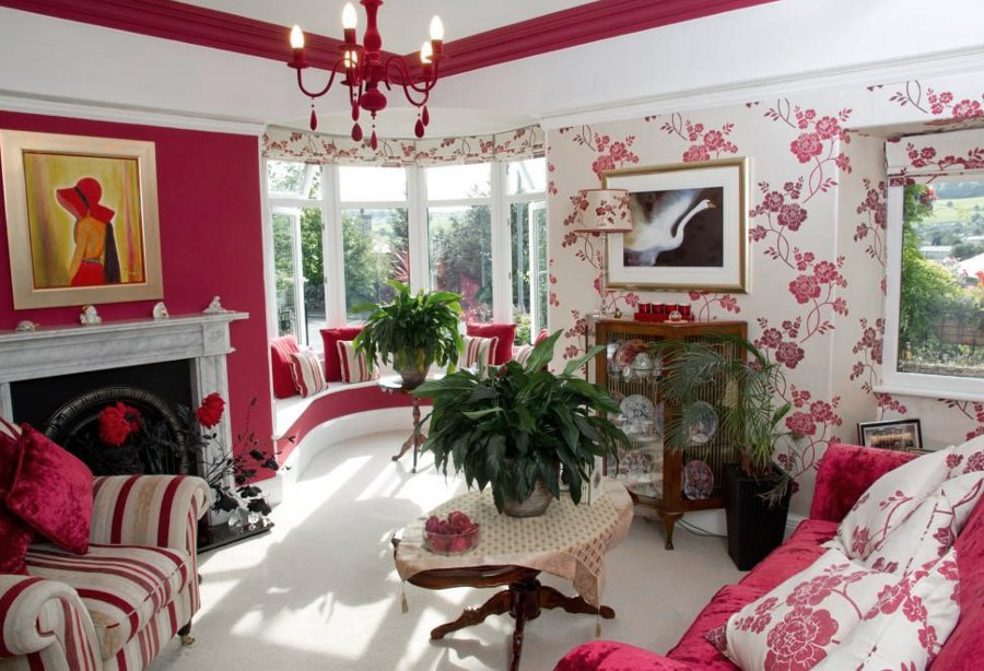 Red Rose Pattern Living Room