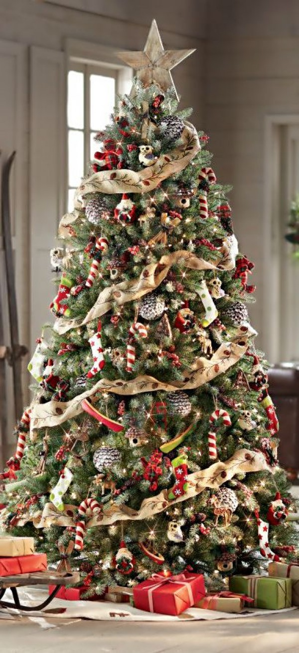 11 Money-Saving Tips for Decorating a Christmas Tree