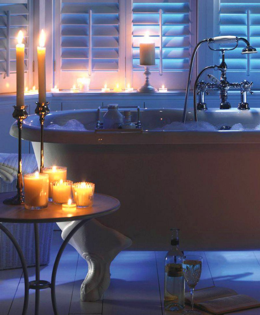 8 More Ideas to Create a Romantic Mood with Candles