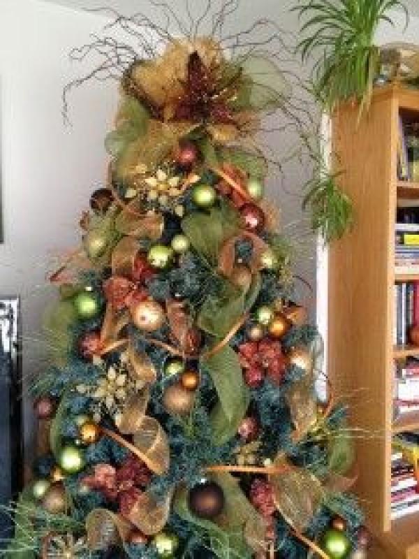 Christmas Tree Decorating Tutorial -