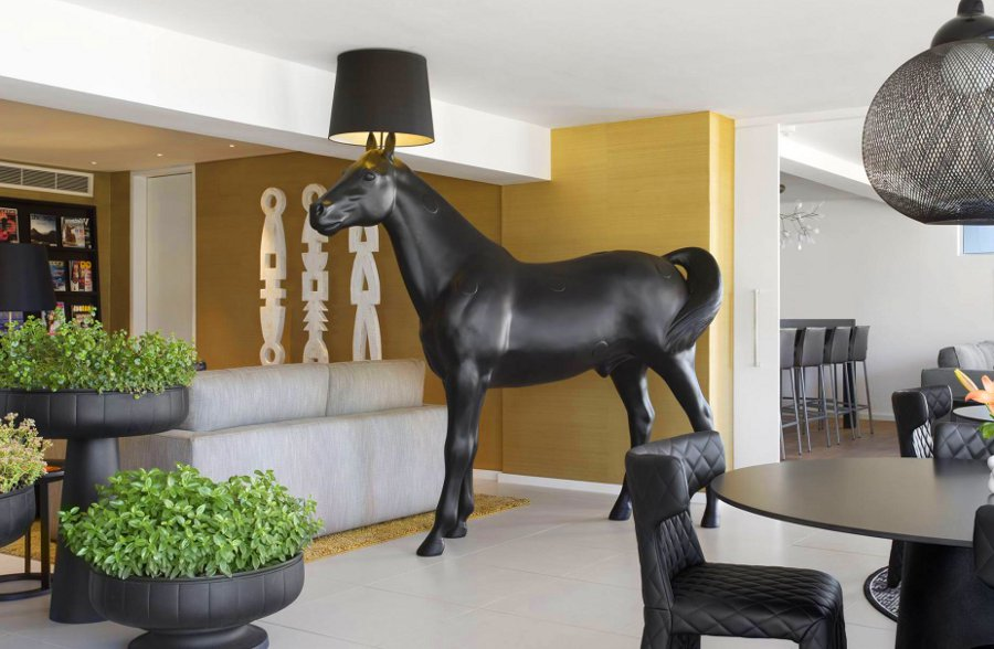 Black Horse Lamp