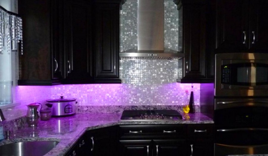 purple kitchen mosaic