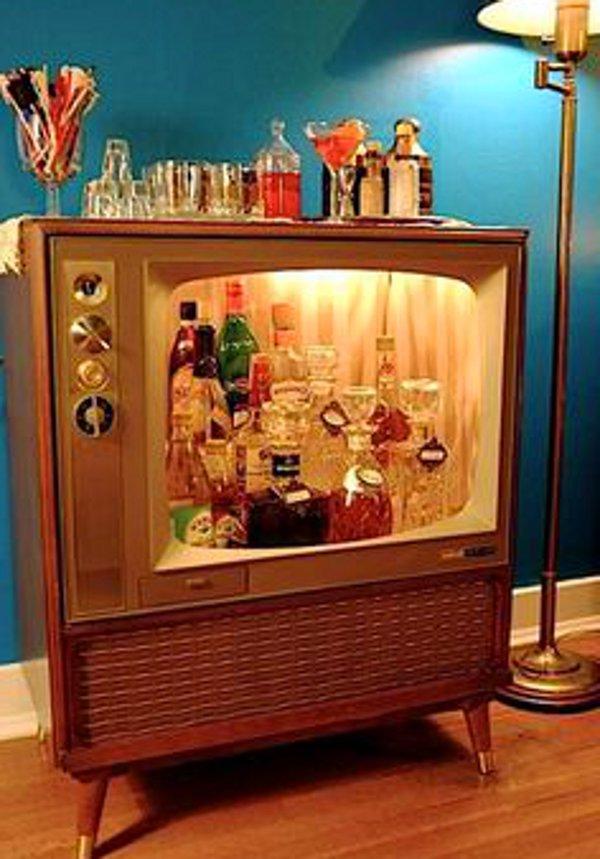 Vintage tv bar