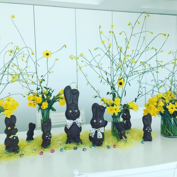 You have to see this  centerpiece idea with chocolate bunnies. Love it!