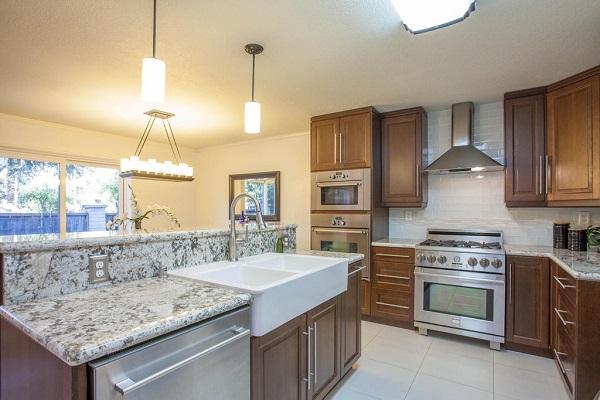 Traditional kitchen design in Santa Clara