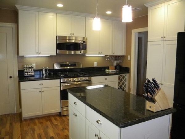 Traditional kitchen in Santa Clara, CA