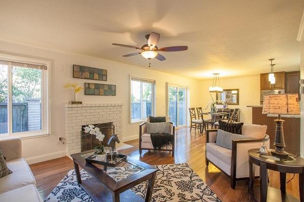 Traditional living room in Santa Clara