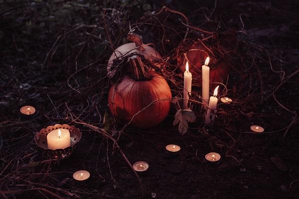 Halloween candle decor