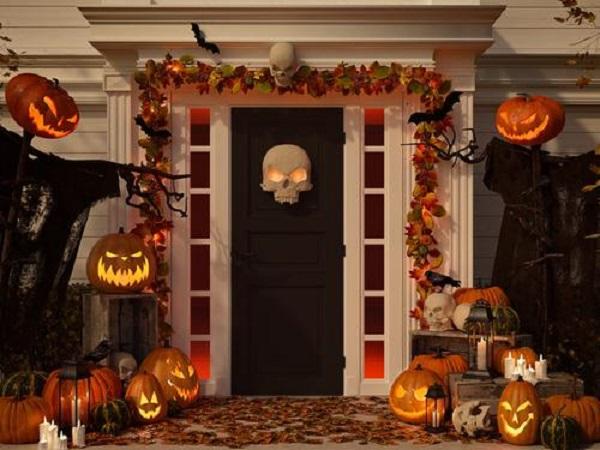 Spooky Halloween theme decor