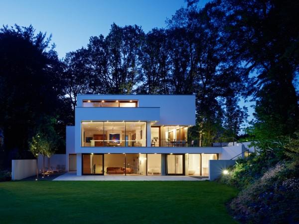 Haus J19 Glass House