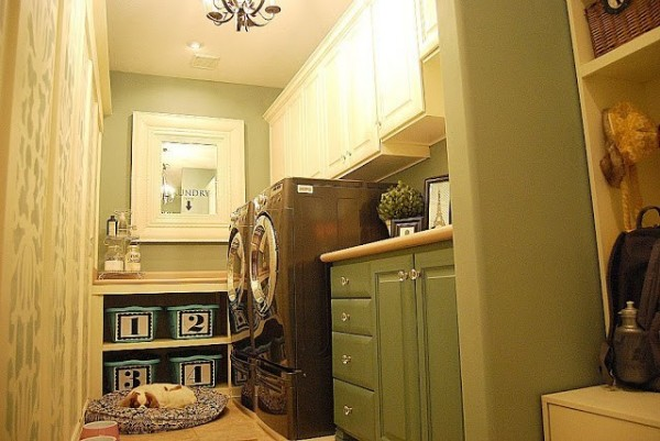 My {{Beachy}} Laundry Room Reveal!!