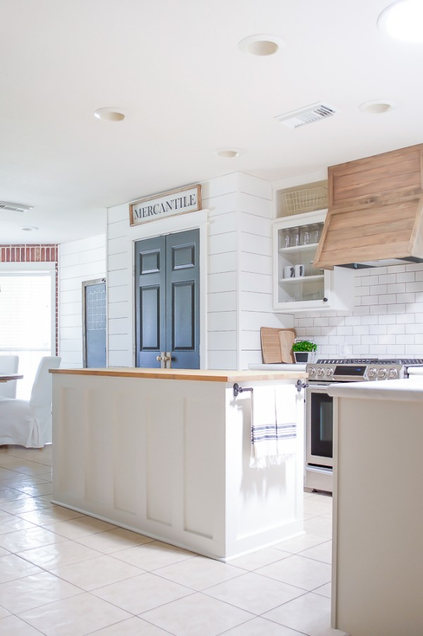 Farmhouse Style Kitchen Makeover Reveal