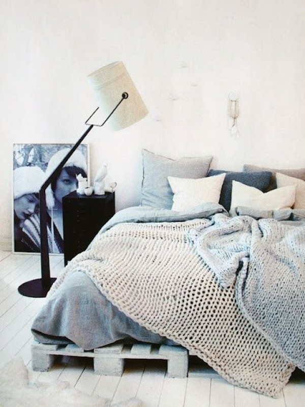 21 Beautiful Minimal Bedrooms and What We Can Learn from Them