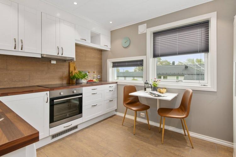 grey kitchen blinds