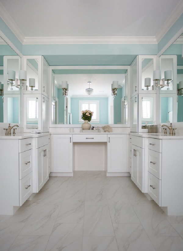 Beach style bathroom white shaker cabinets