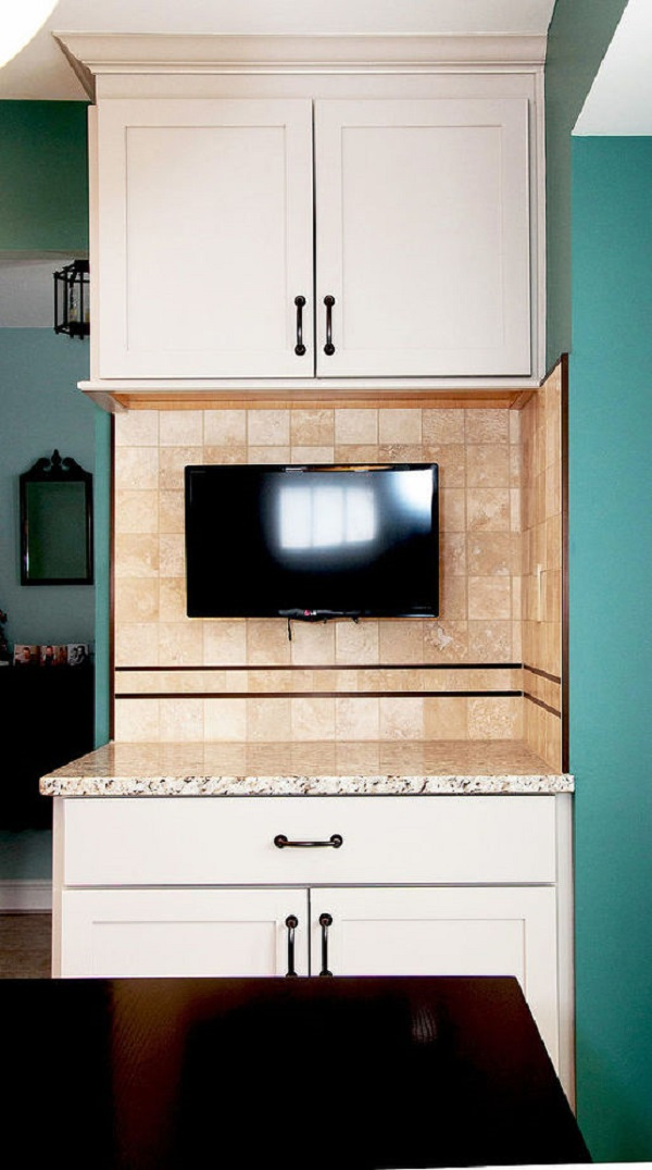 Contemporary kitchen shaker cabinets