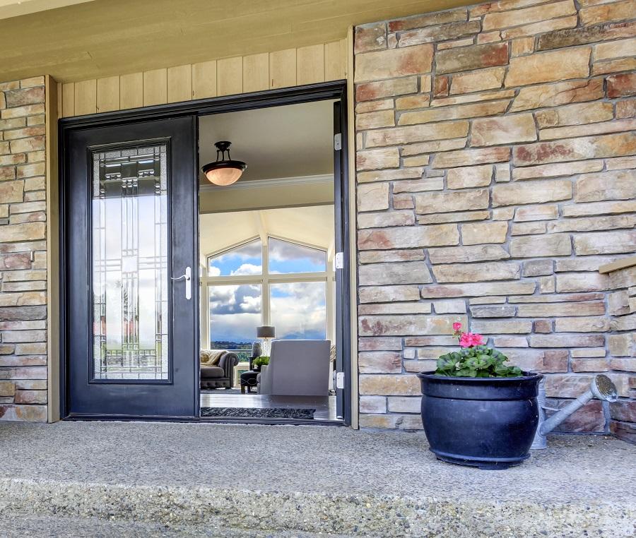 15 Appealing Exterior Window Trim Ideas