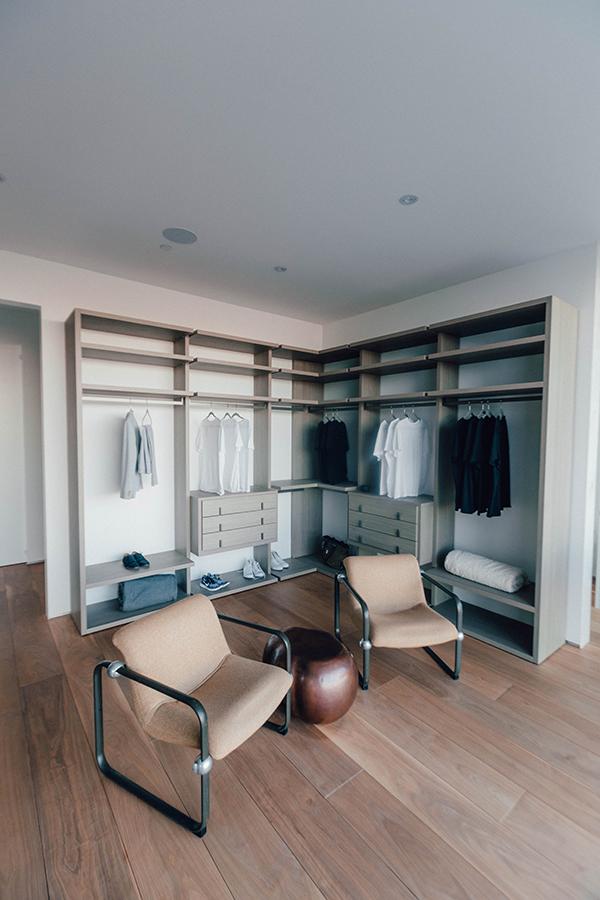 Corner Closet Shelves