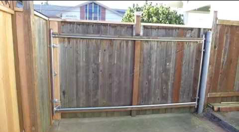 Temporary outdoor privacy screen fence
