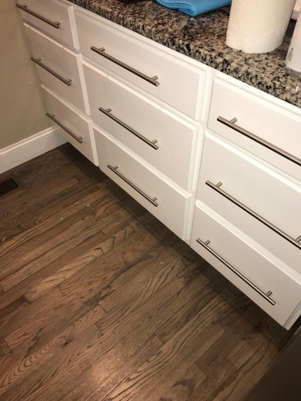 ultra white kitchen cabinets