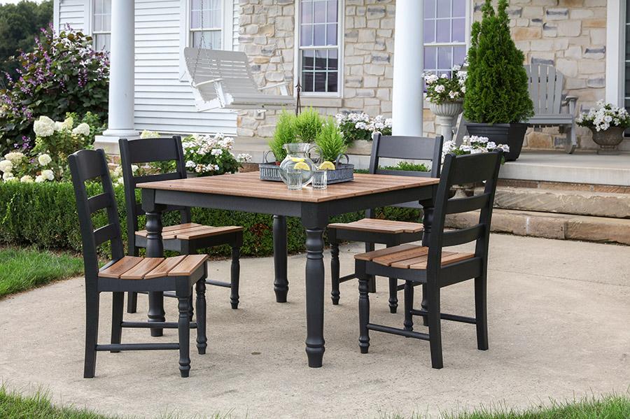 Outdoor dining patio design