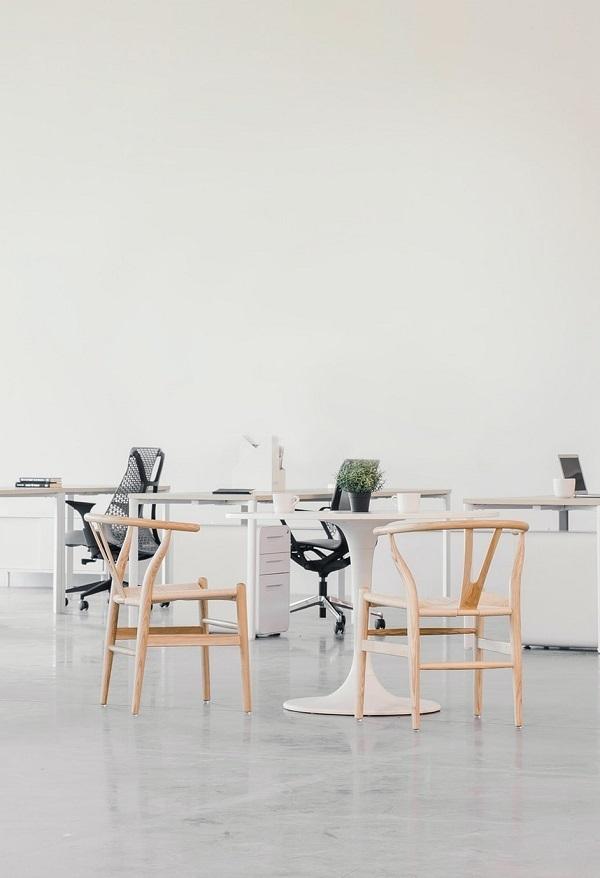 light wishbone chair