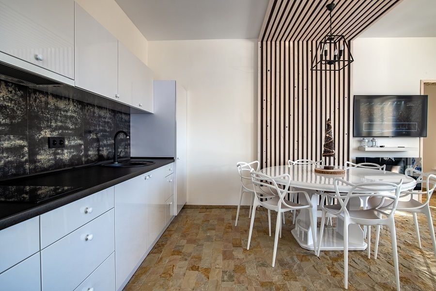 kitchen wooden accent wall