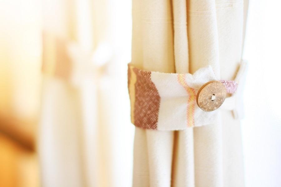 diy curtain decor