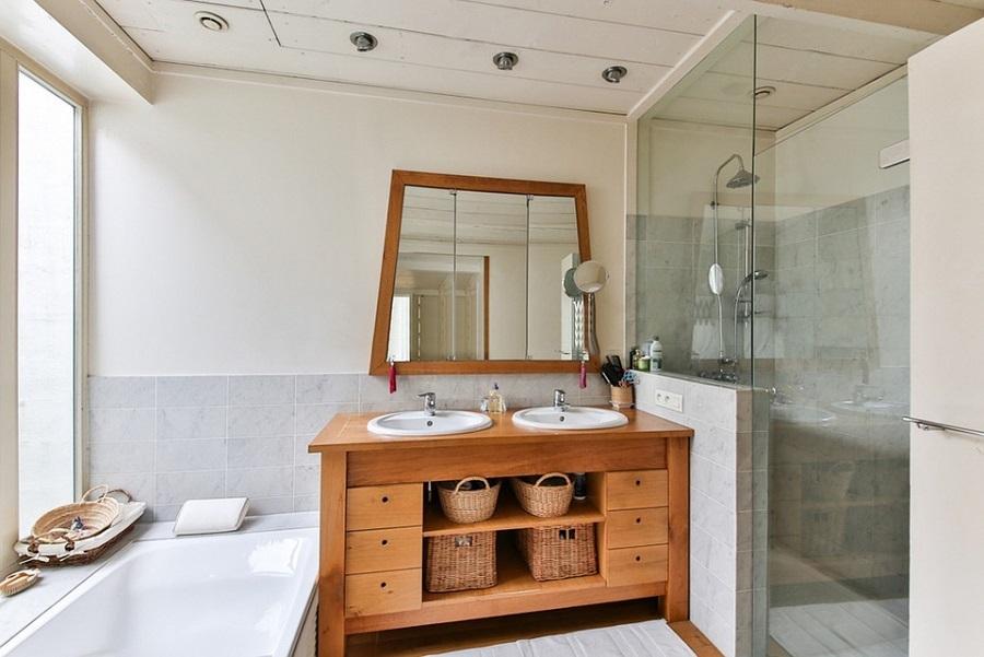 bathroom wooden decor