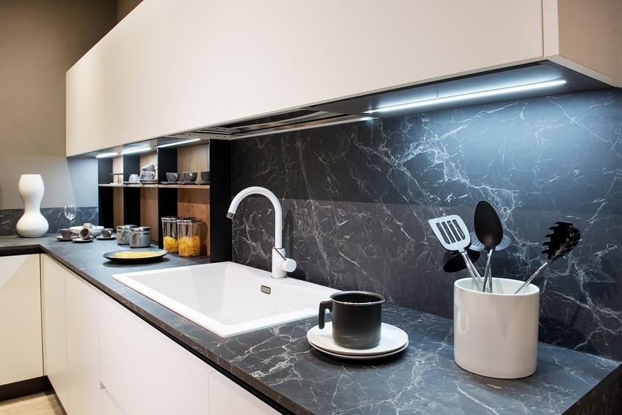 small L kitchen