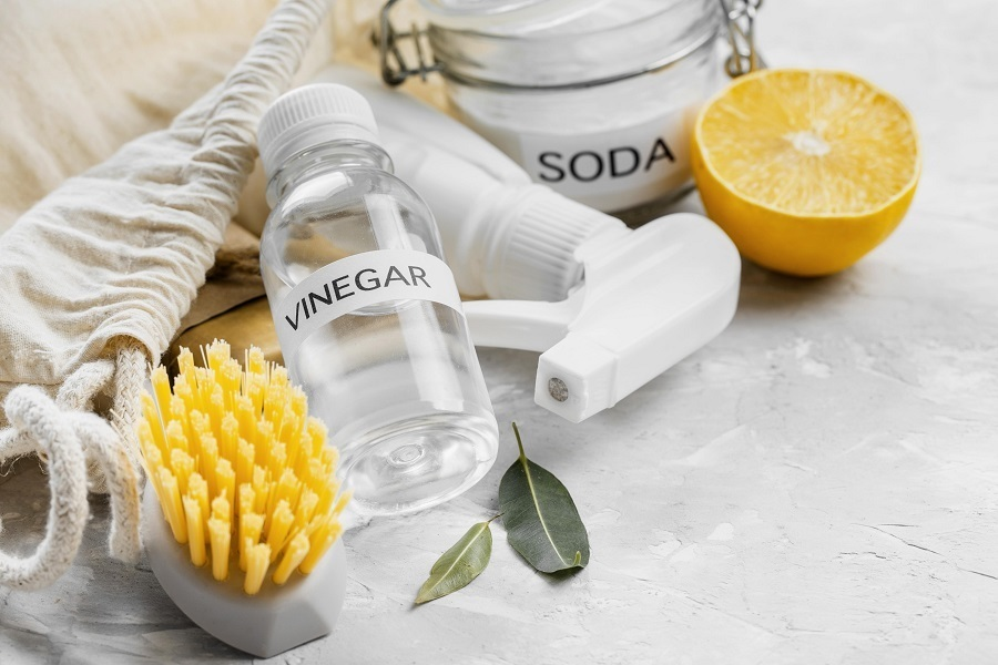 vinegar cleaning materials