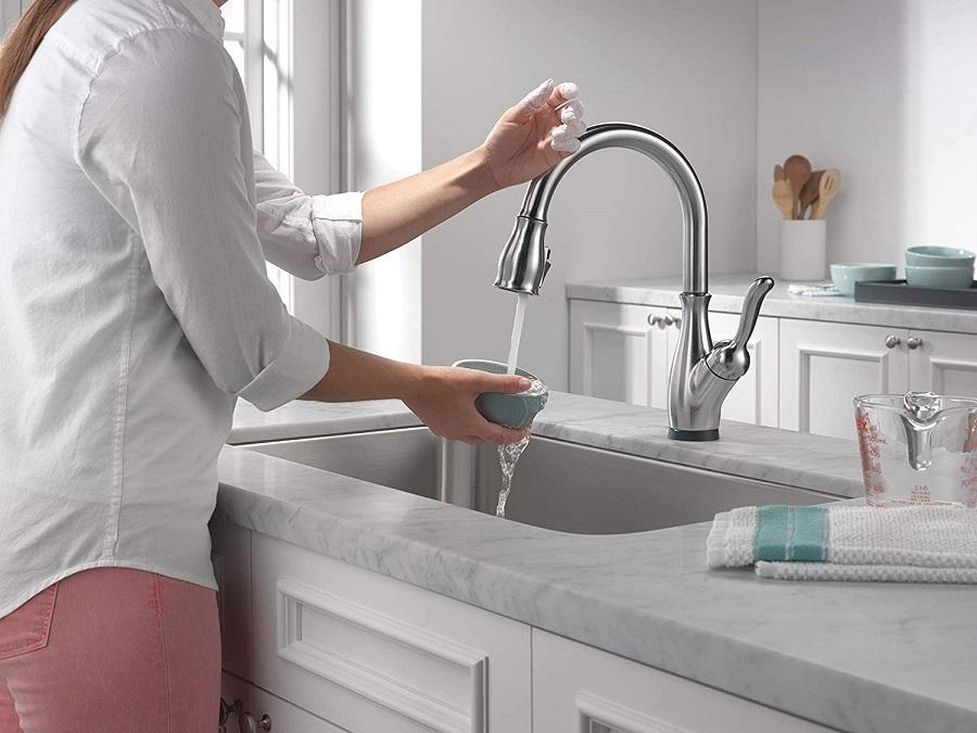 delta leland touch faucet