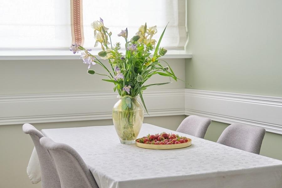 dining room flowers